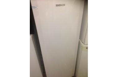 Beko koeling 145 cm hoog 54 cm breed zo goed als nieuw