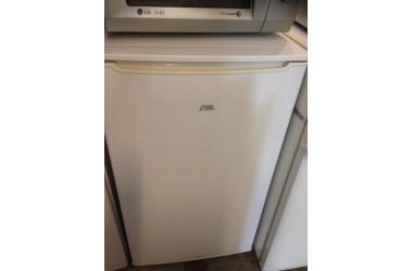 Etna koelkast tafelmodel met vriesvakje